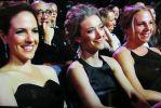 Anna Silk and Zoie Palmer at Canadian Screen Awards 2014 (Screencap by @PatriciaOgura)