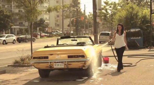 Bo in the car wash promo