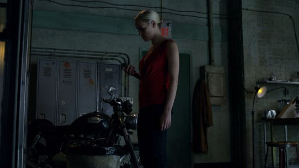 Tamsin in Dyson's apartment in Delinquents