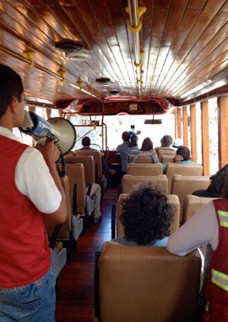 Sämtliche Züge sind von Reiseführern begleitet. Bild: SWR/Peter Sonnenberg