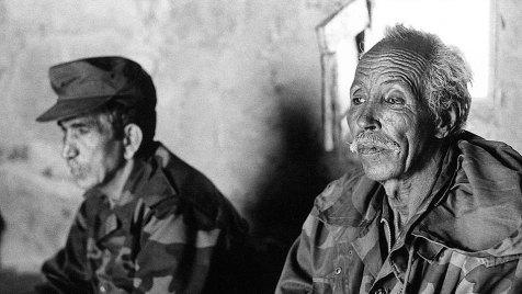 """Der Dokumentarfilm """"Verlorenes Territorium"""" erzählt die Geschichte des Volkes der Saharaui. Es ist eine Geschichte über Flucht und Exil, über endloses Ausharren und immer wieder aufflackernde Kämpfe, über Verfolgung und Tod, aber auch über die Hoffnung, eines Tages in einem befreiten Land ohne Fremdbestimmung zu leben. Bild: ARTE France"""