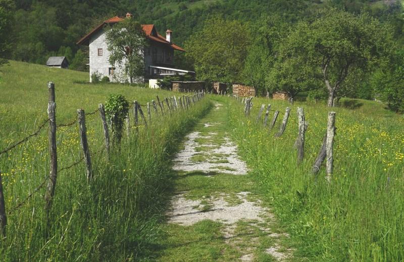 village-1478808_1920