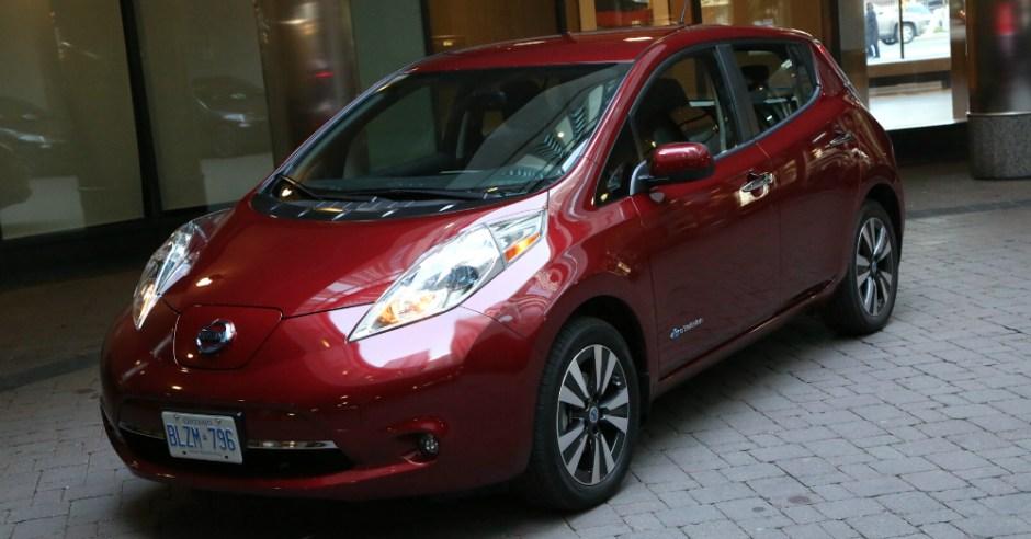 01.04.16 - 2016 Nissan LEAF