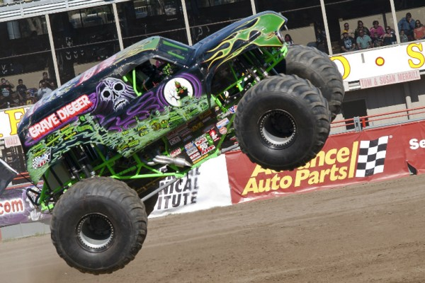 03.21.16 - Grave Digger Monster Truck