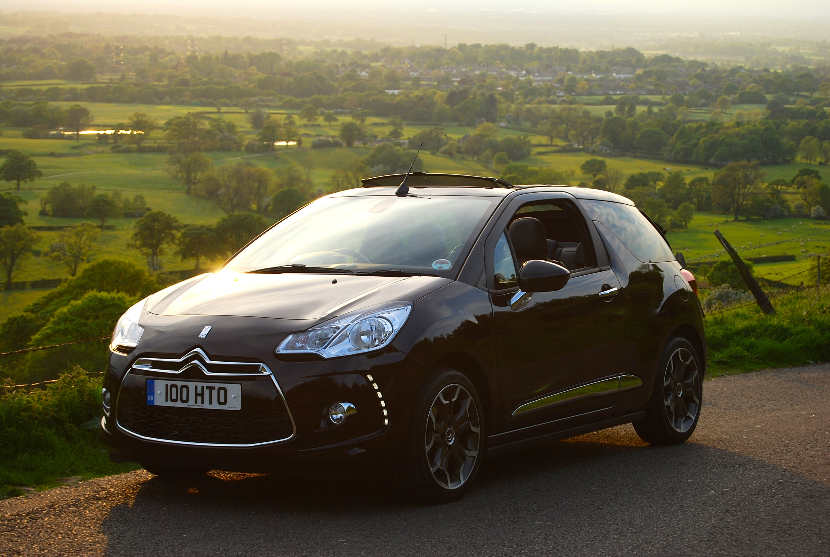 citroen ds3 cabrio review driving torque. Black Bedroom Furniture Sets. Home Design Ideas
