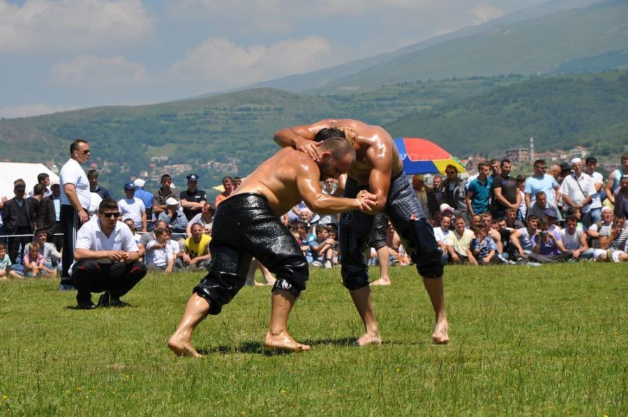Dragash pelivan wrestling. Photo by Admir Idrizi