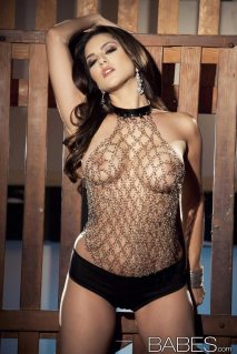 sunny_leone_chained1