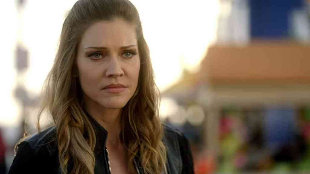 """LUCIFER: Tricia Helfer in the """"The Good, the Bad and the Crispy"""" season finale episode of LUCIFER airing Monday, May 29 (9:01-10:00 PM ET/PT) on FOX. Cr: FOX"""