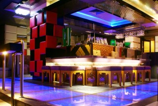 Tempat Karaoke Asik di B-One Karaoke and Bar Swiss-Belhotel Manado