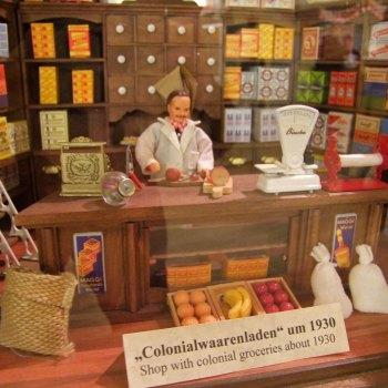 dawny-sklep-kolonialny-z-przyprawami-hamburg-Spicys-Gewurzmuseum