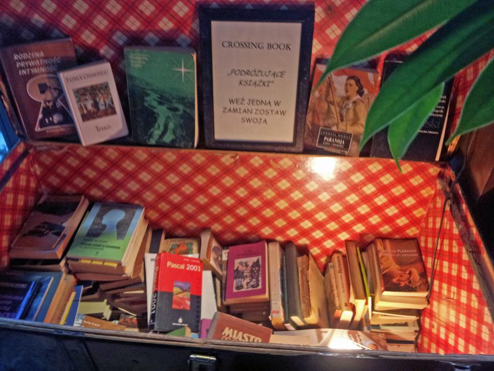 manekin-bookcrossing-gdansk-ksiazki-nalesniki
