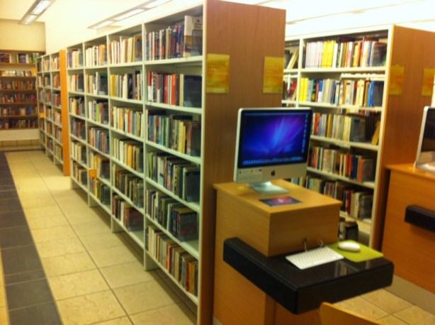 olsztyn-biblioteka-wojewodzka-ksiazki-1024x764