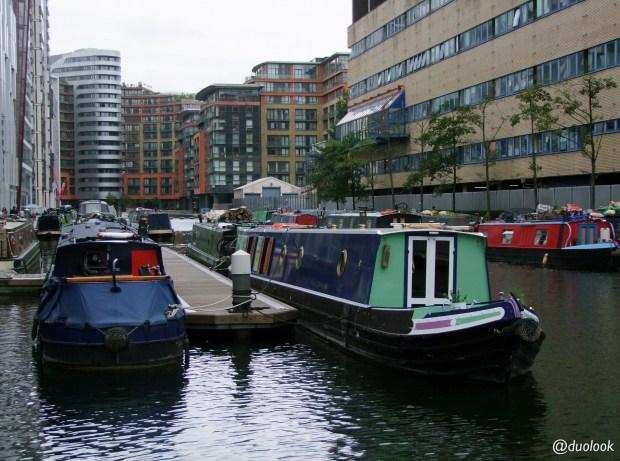 paddington-barki-w-londynie-kanaly-wiezowce-biurowce-nad-woda-wielka-brytania-00005