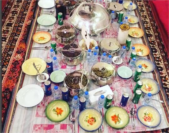 arabska-uczta-emiraty-arabskie-jedzenie