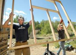 Elegant Rocky Mountain Tiny Houses Gets A Hand From Laura Faubion Inbuilding A Home At His Durango Big Rocky Mountain Mansion Tiny House Nation Rocky Mountain Tiny House Cost Greg Parham
