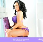 model-bubbles-robinv-dynastyseries-205