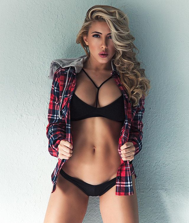 Valeria Orsini @Valeria_Orsini – Pic of the Day Double Dose – 13o5