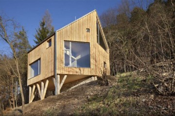 Architecture-family-house-in-zbecno-alt-architekti-01