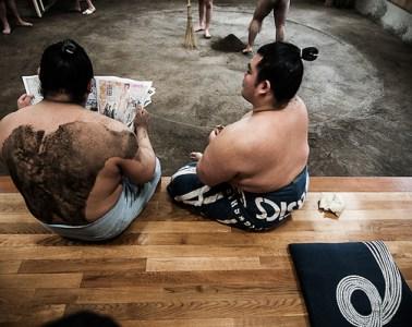 Photohraphy_Sumo_Wrestlers_in_Japan_01