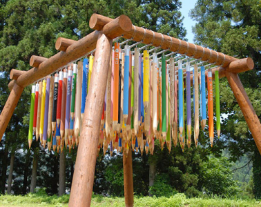 Giant-Colored-Pencils-installation-01