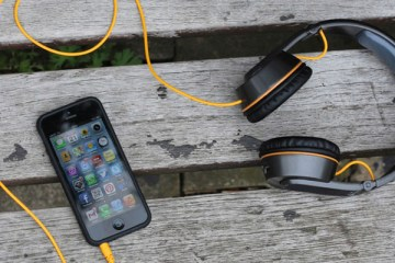onbeat-solar-powered-headphones-01