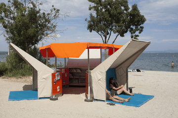 pop-up-beach-library-by-matali-crasset-01