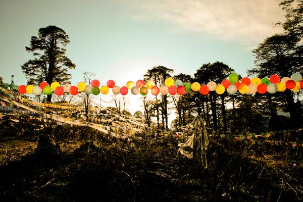 balloons-of-bhutan-by-jonathan-harris-09