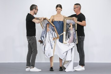 framed-painting-clothing-by-duthc-designer-viktor-and-rolf-01