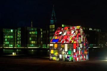 tom-furin-glass-house-sculpture-01