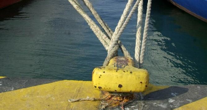 Αποτέλεσμα εικόνας για δεμενα πλοια