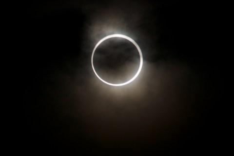 金環日食 0