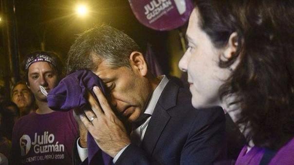 Julio Guzmán ha afirmado que la primera vez que se le acercaron para pedirle dinero fue durante una de las vigilias que realizó frente a la sede del JNE.