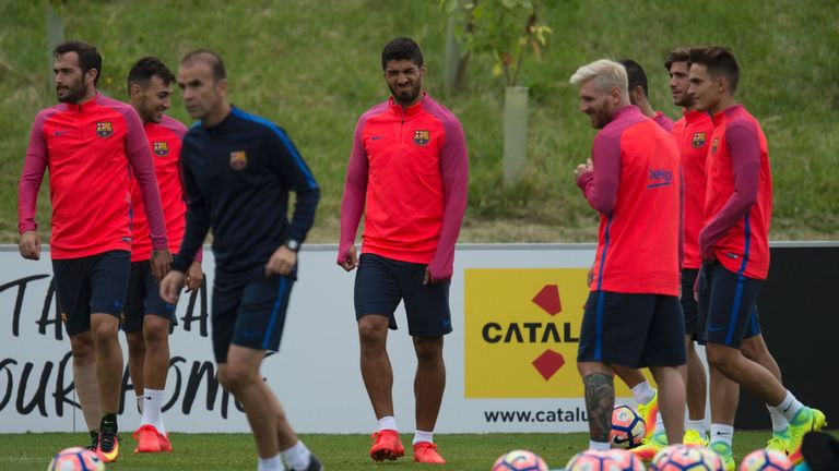 Lionel Messi and Luis Suarez are part of Barcelona's 21-man squad
