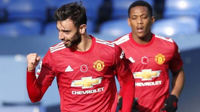 Bruno Fernandes celebrates after equalising for Manchester United at Everton