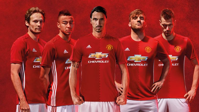 Daley Blind, Jesse Lingard, Zlatan Ibrahimovic, Luke Shaw and Morgan Schneiderlin in the new Man Utd home kit