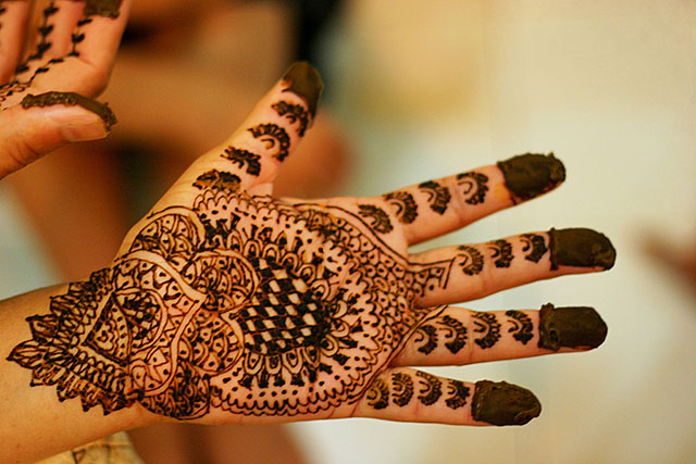 9 Top Things To Do In Goa: #9. Get a Black Henna tattoo