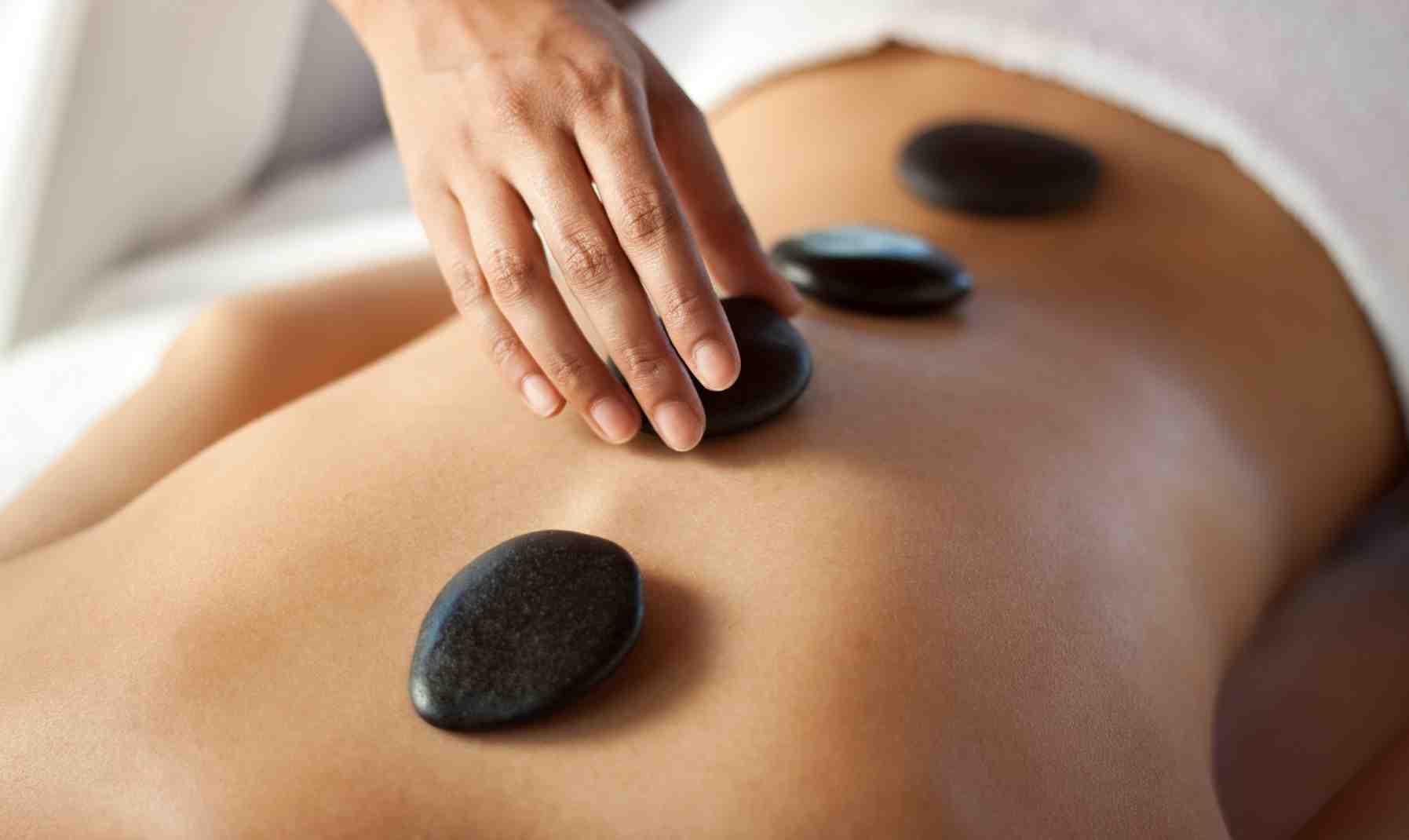 Hot-Stone-Massage-Kelowna1