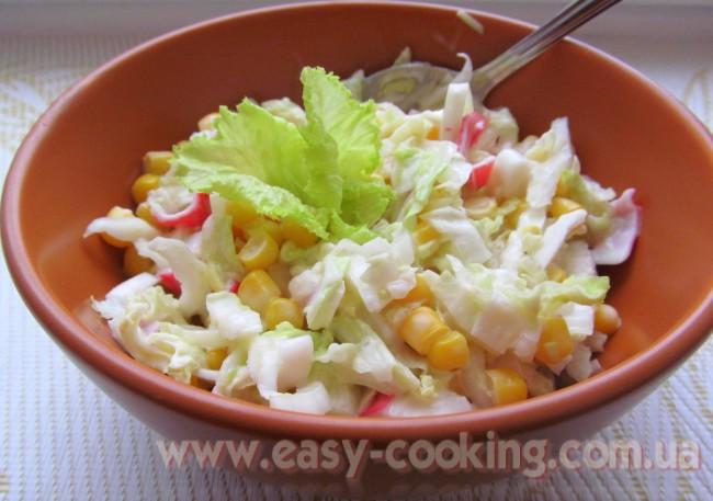 Рецепт салату з крабовими паличками