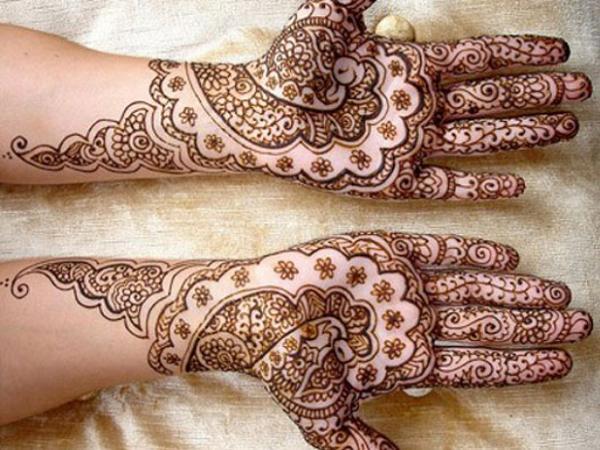 Popular-Mehndi-Designs
