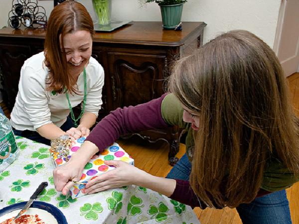 Easy-Housewarming-Party-Games