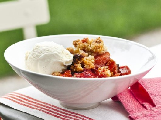rhubarb crisp