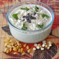 Coconut and pine nuts chutney