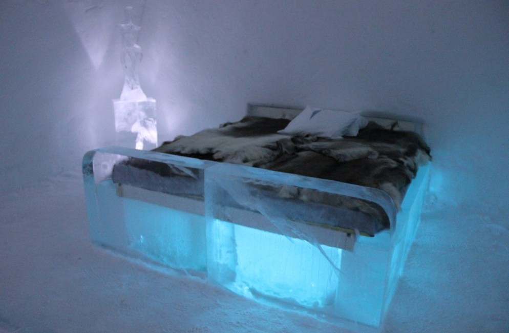 the icehotel in sweden sparkling gorgeous and so very surreal eat like a girl. Black Bedroom Furniture Sets. Home Design Ideas