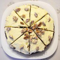 Sprawdzony przepis na ciasto marchewkowe z kremem i orzechami włoskimi o cudownym cynamonowym zapachu