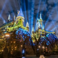 New Details About Christmas In The Wizarding World Of Harry Potter #HolidayLikeThis