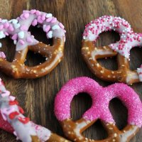 Do-It-Yourself Edible Valentine's Day Gift Ideas
