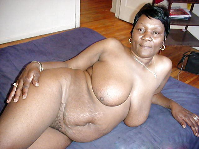 mother daughter granny nude