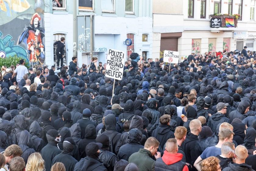 Beginn bis Ende der Welcome To Hell Proteste