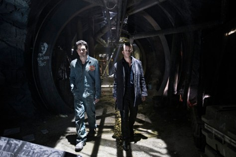"""THE EXPANSE --""""Leviathan Wakes"""" Episode 109 -- Pictured: (l-r) Steven Strait as Earther James Holden, Thomas Jane as Detective Josephus Miller -- (Photo by: Rafy/Syfy)"""