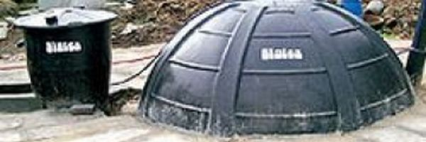 green indian machine makes biogas from any organic